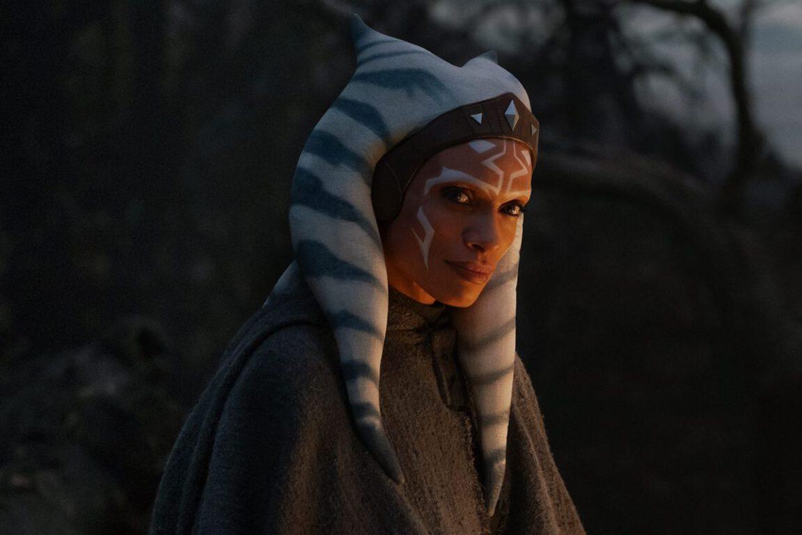 Still of Rosario Dawson as Ahsoka Tano in The Mandalorian, a Star Wars property.