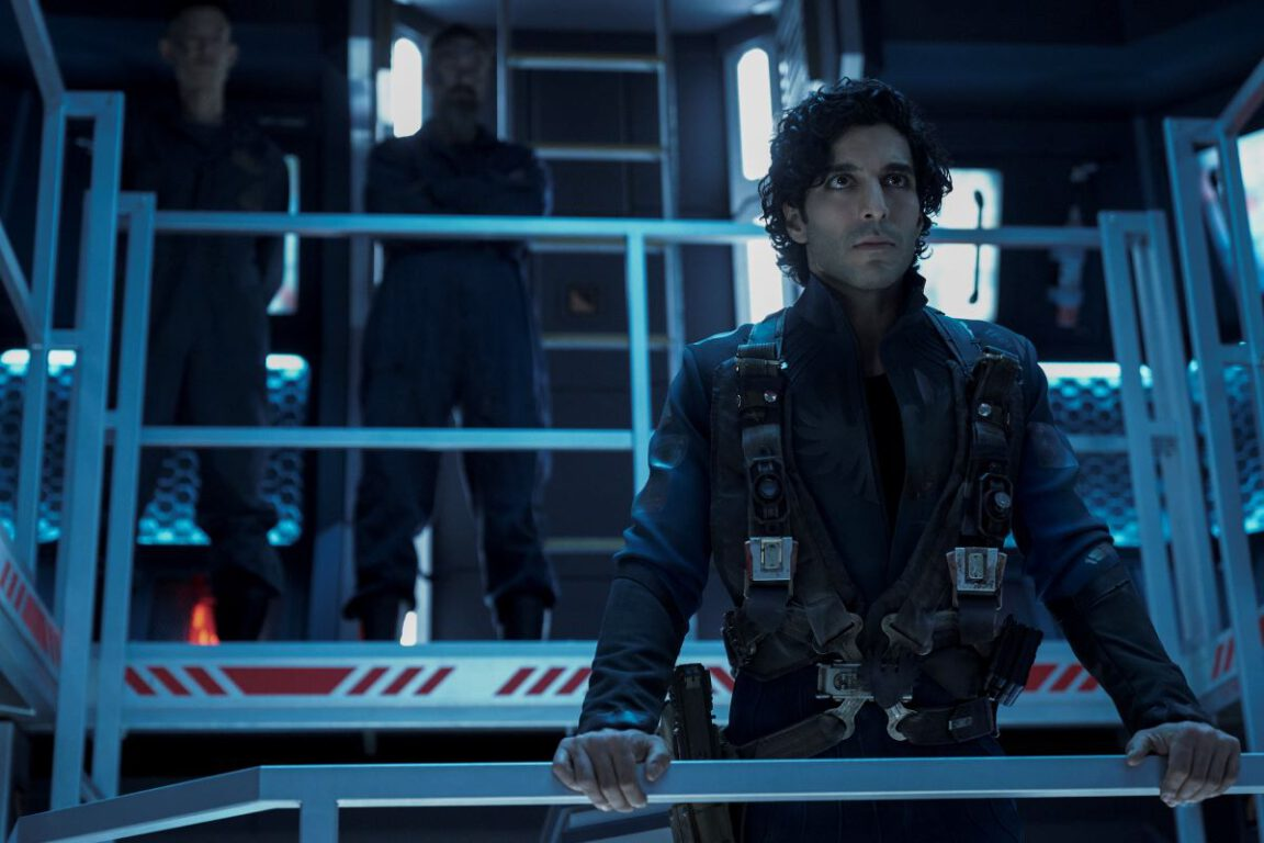 Still of Keon Alexander in The Expanse.