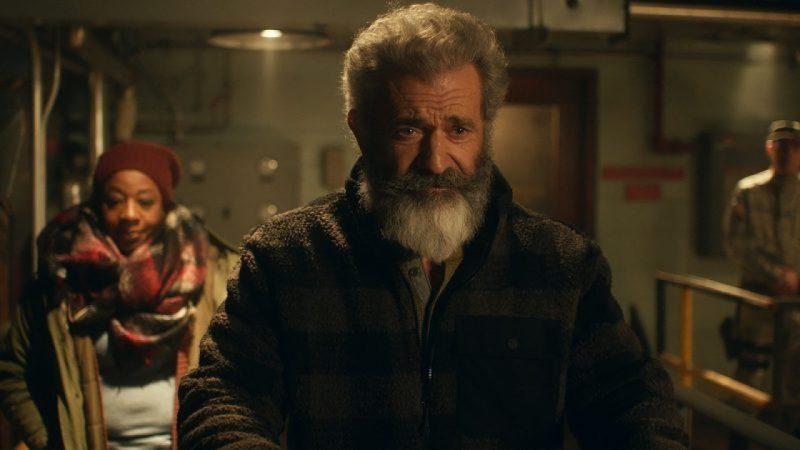 Mel Gibson, Marianne Jean-Baptiste in Fatman