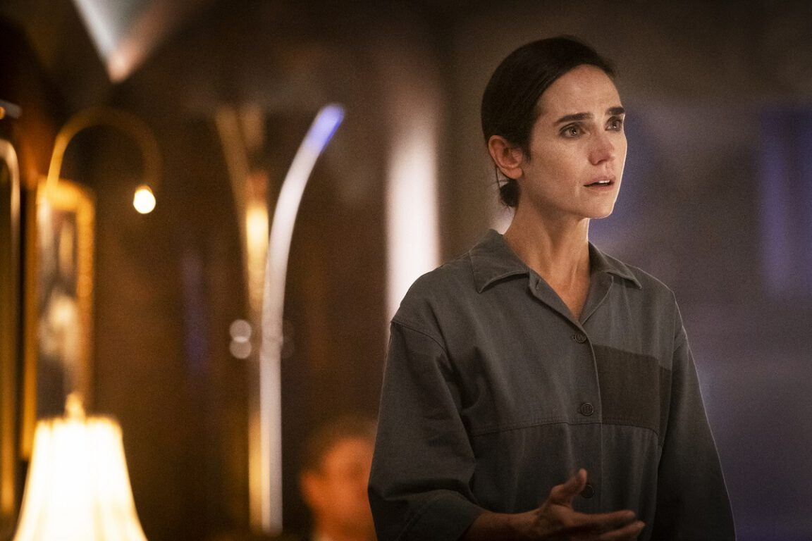 Still of Jennifer Connelly as Melanie Cavill in Snowpiercer.