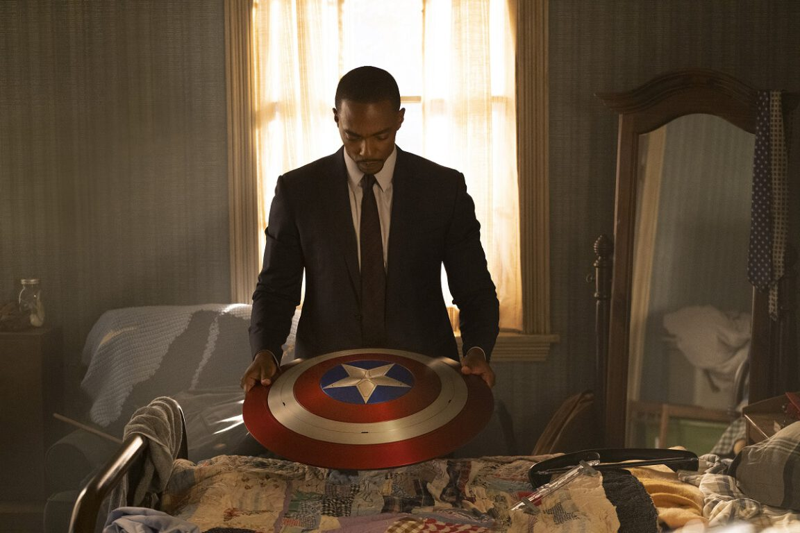 Still of Anthony Mackie in The Falcon and the Winter Soldier.