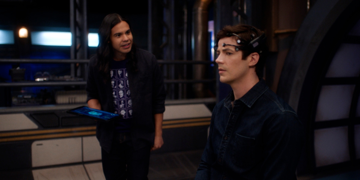 Cisco is shocked by Barry's new ability on The Flash