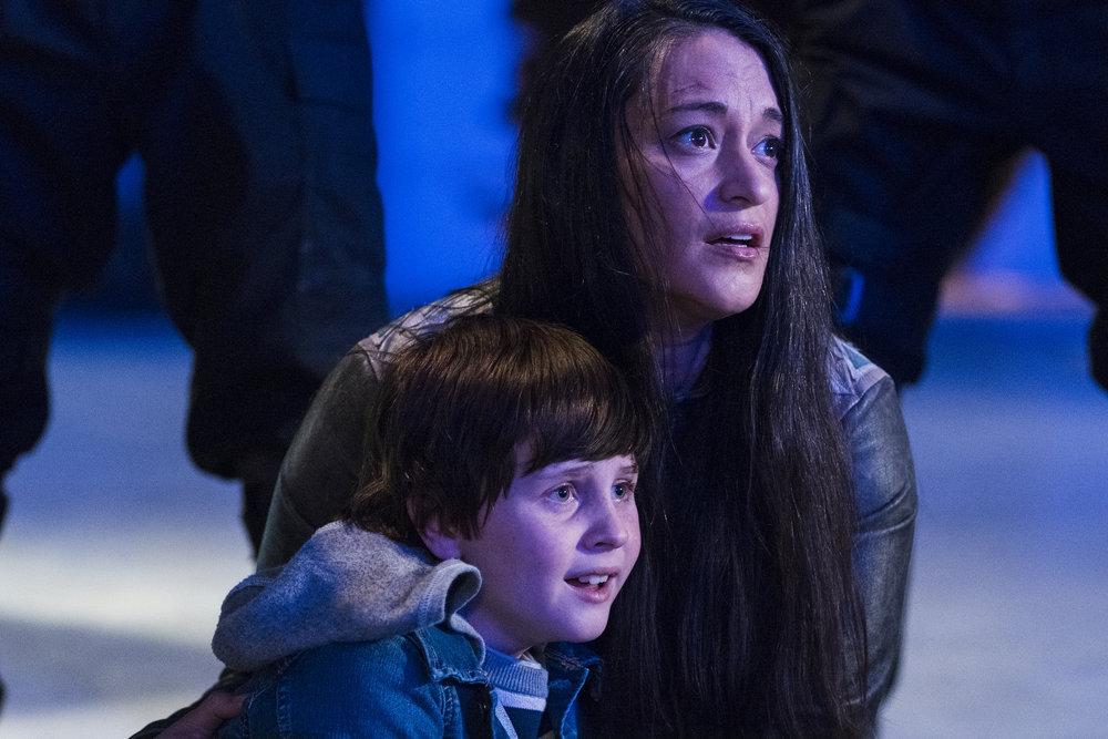 "Still of Judah Prehn and Sara Tomko in Resident Alien episode ""Heroes of Patience."""
