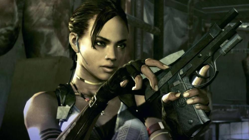 Sheva reloading her gun in Resident Evil 5.