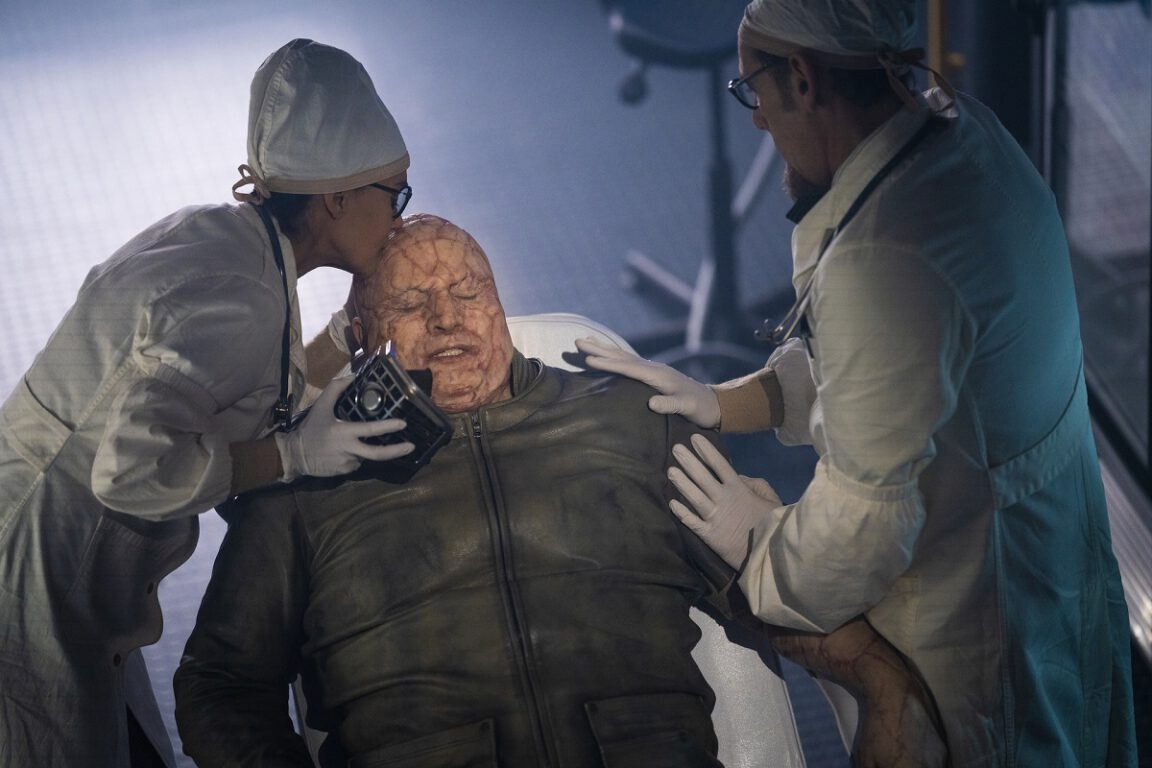 """Still of Sakina Jeffrey, Andre Tricoteux and Damian Young in Snowpiercer episode """"The Eternal Engineer."""""""