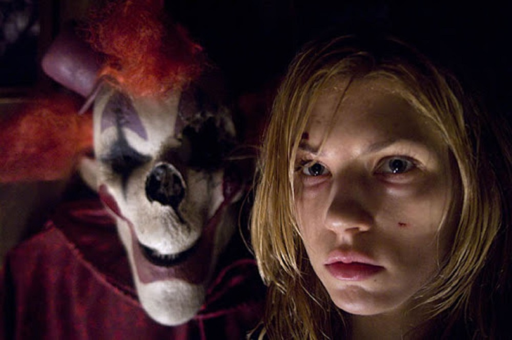 Still of Keir O'Donnell and Katheryn Winnick in 2008's horror movie Amusement.