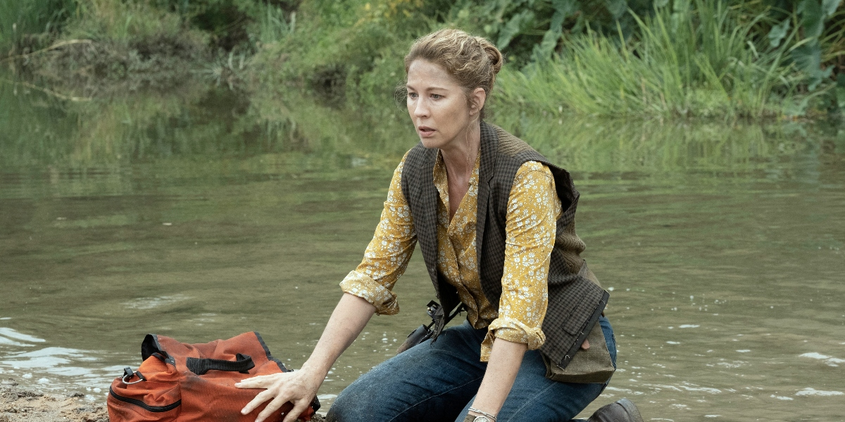 June fears she may be too late to save a life on Fear the Walking Dead