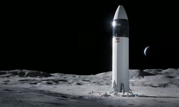 NASA Awards SpaceX Moon Lander Contract