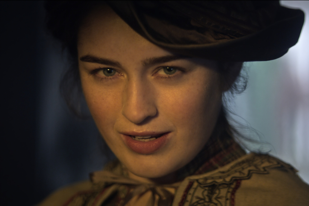 Nina (Danielle Galligan) in Shadow and Bone.