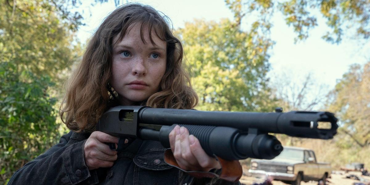 Dakota tries to help Alicia on Fear the Walking Dead