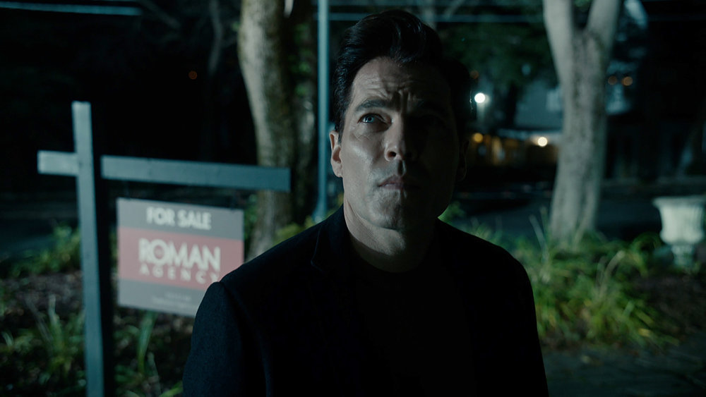 Still of Tim Rozon in the SurrealEstate pilot.