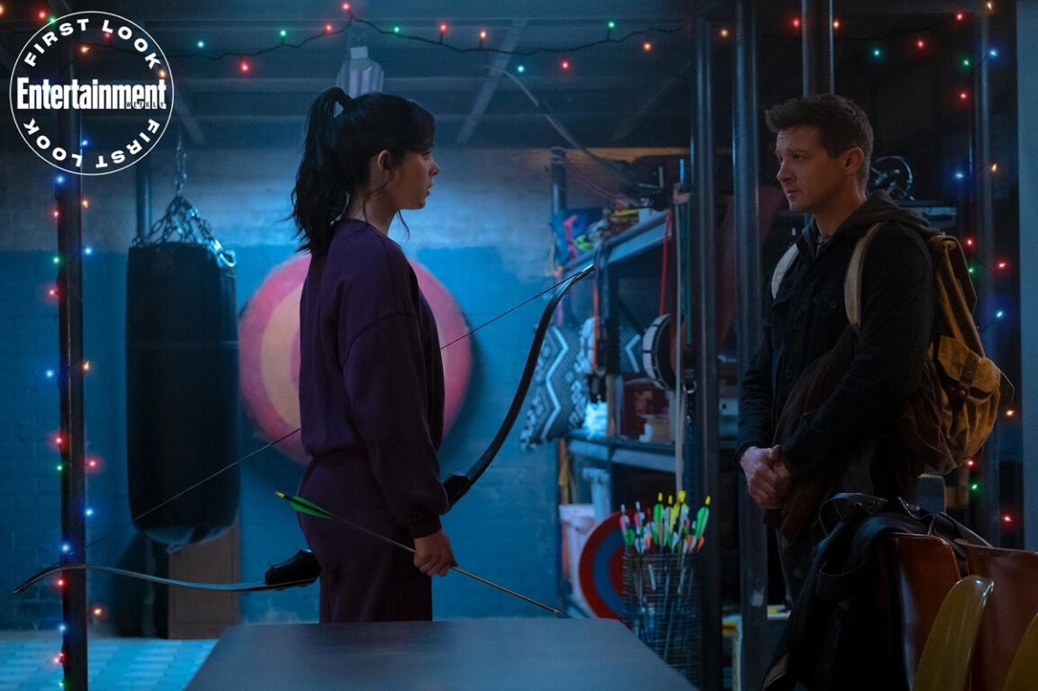 hailee steinfeld as kate bishop and jeremy renner as clint barton