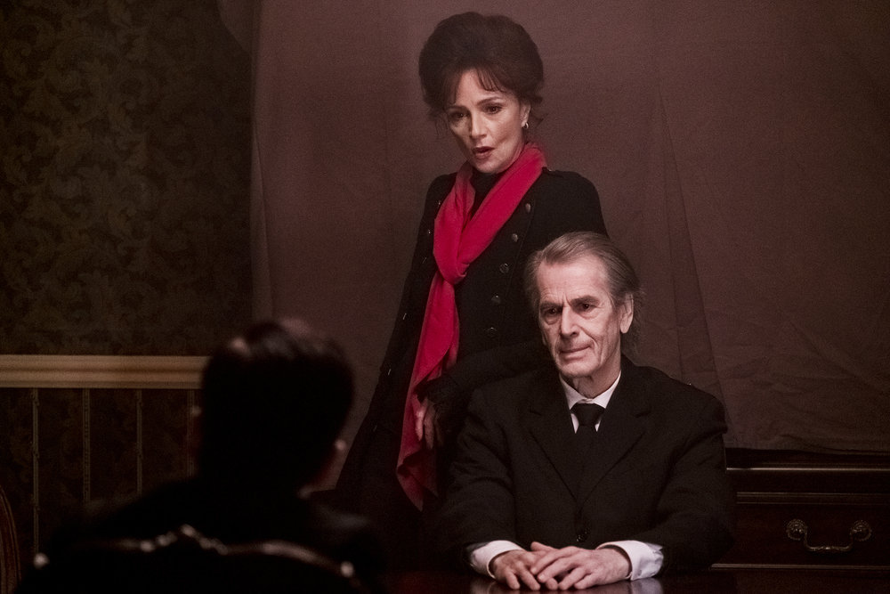 """Still of Jennifer Dale and Greg Malone in the SurrealEstate episode """"The House Always Wins."""""""