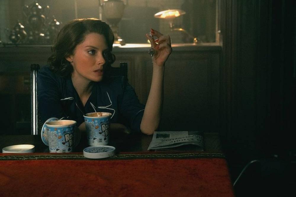 """Still of April Bowlby as Rita Farr in Doom Patrol episode """"Vacay Patrol."""""""