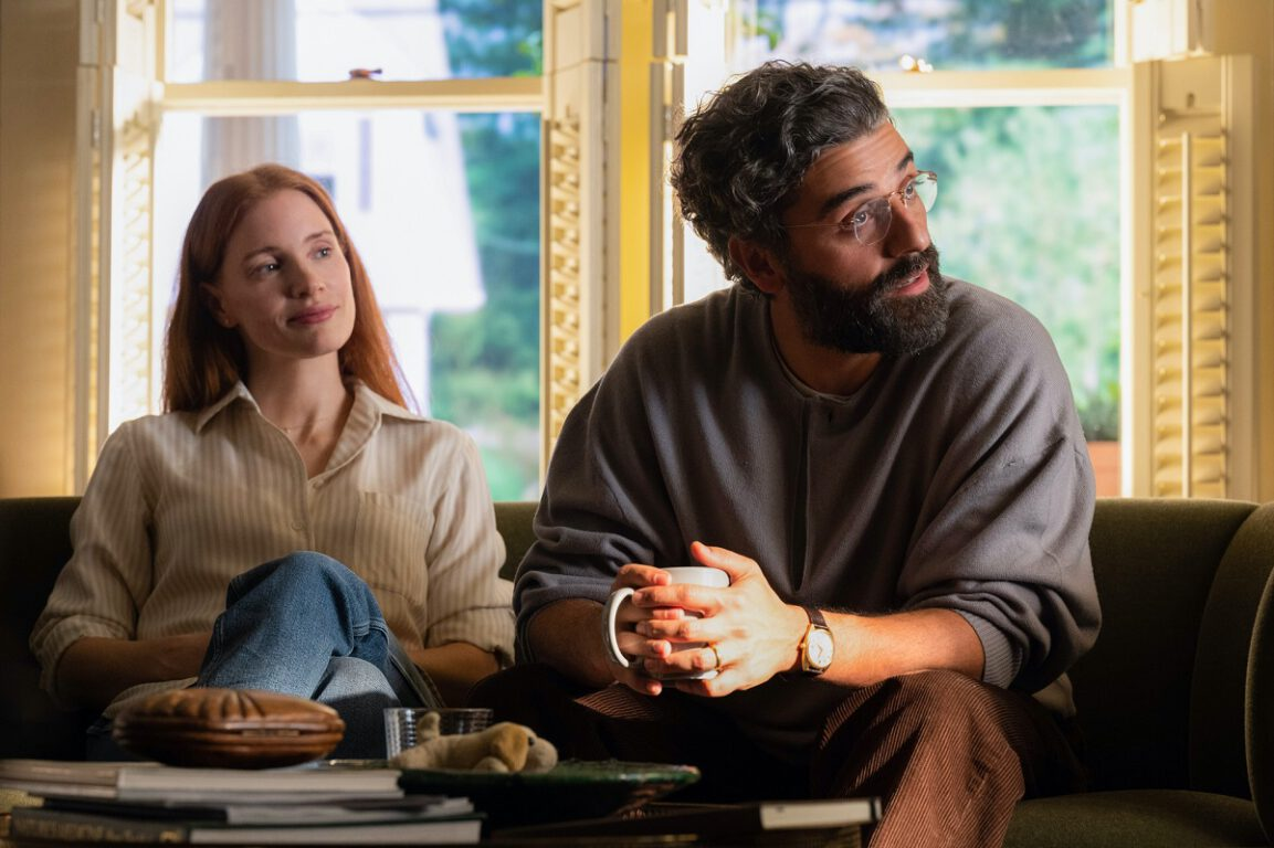 Still of Jessica Chastain and Oscar Isaac in Scenes from a Marriage.