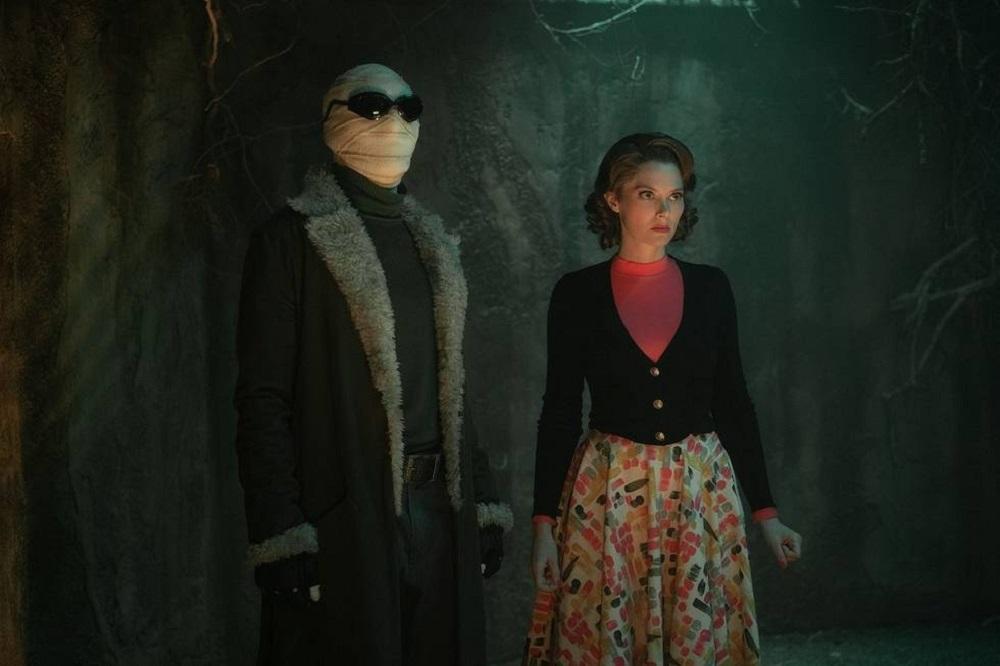 """Still of Matt Bomer/Matthew Zuk and April Bowlby in the Doom Patrol episode """"Dead Patrol."""""""