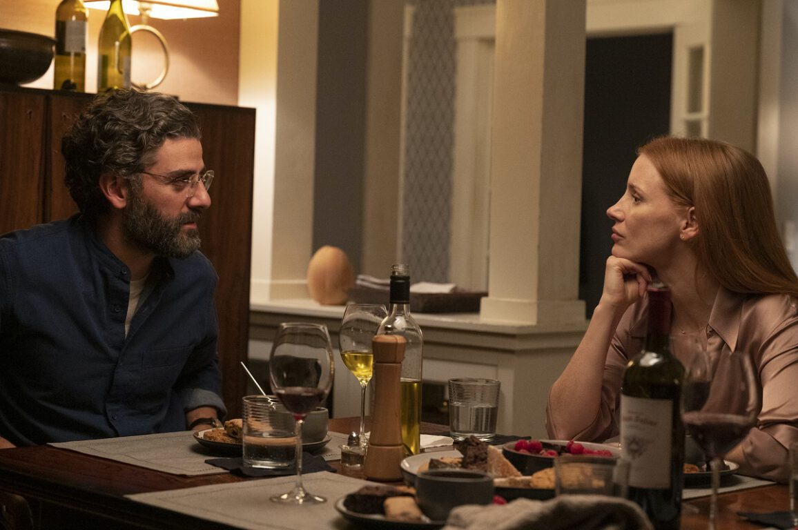 Still of Oscar Isaac and Jessica Chastain in Scenes from a Marriage.